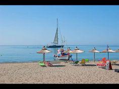 Votsalakia beach, Samos. Beds and parasols from Taverna Pizzeria Akrigiali. Lovely place to be!