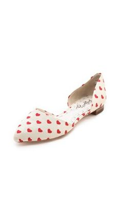 Chic & Pretty Red Heart Flats #commandress