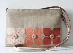 Taška přes rameno / kabelka na nebělené prádlo s aplikací v bavlněné tkaniny s kůže rukojeť krém / přirozené barvy a mosazné kování