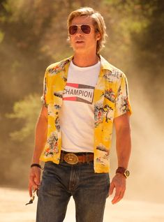 Once Upon a Time in Hollywood: Brad Pitt's Aloha Shirt and Champion Tee Classic Hollywood, In Hollywood, Hollywood Fashion, Brad Pitt News, Beach Boys, Aloha Shirt, T Shirt, Champion Logo, Champion Shirt