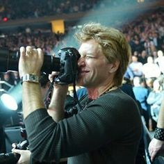 Jon Bon Jovi playing concert photographer of The Rolling Stones at 12.12.2012 Concert for Hurricane Sandy. @bendovshawna | Instagram #hurricanesandy #newjersey #rollingstones #therollingstones #jonbonjovi #bonjovi #jbj #captainkidd #concertpics