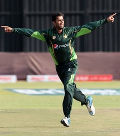 Imad Wasim's four-for dented Pakistan's chase, Zimbabwe v Pakistan, 1st T20, Harare, September 27, 2015
