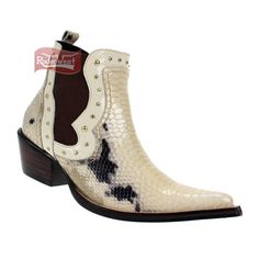 Bota Feminina Texana Anaconda Off White Cano c  Elástico Lateral e Rebites  - West Country 67d22cd6655