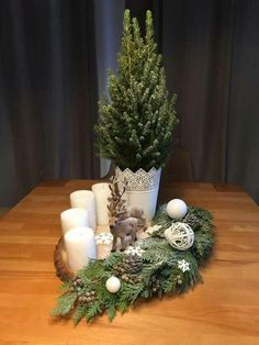 The most beautiful Christmas inspiration of Blue Roof – Christmas / Advent – Weihnachts Dekor – Holidays Christmas Advent Wreath, Christmas Candle Decorations, Christmas Flower Arrangements, Christmas Candles, Holiday Decor, Table Decorations, Simple Christmas, Beautiful Christmas, Christmas Home