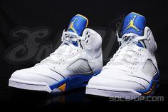 Air Jordan V Laney Jordan V, Mens Fashion Shoes, Unique Fashion, Men's Shoes, Air Jordans, Kicks, Sneakers Nike, My Style, Bags