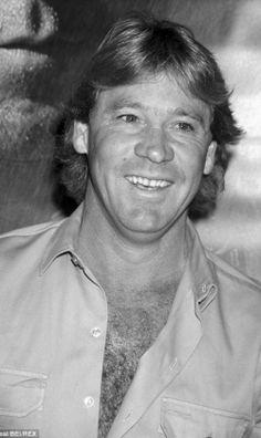 Tragic end: Steve Irwin's cameraman and 'right-hand man' Justin Lyons has shared what happened in the Crocodile Hunter's final moments Steve Irwin, Terri Irwin, Reptile Park, Injured Wildlife, Irwin Family, Fathers Rights, Crocodile Hunter, Bindi Irwin, I Miss Him