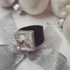 Jewelry, ring, armadura urbana