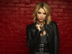 Hanna Marin.   /Ashley Benson/ ❤
