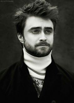 Daniel Radcliffe could possibly pull off the role of Berkeley Cole in a movie ve. - Daniel Radcliffe could possibly pull off the role of Berkeley Cole in a movie version of Circling t - Saga Harry Potter, Harry Potter Actors, Harry Potter Universal, Daniel Radcliffe Harry Potter, Michael Angarano, Michael Cera, Hollywood Actor, Hollywood Stars, Danielle Radcliffe