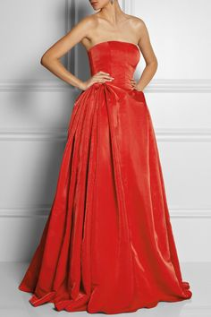 Cersei Lannister | Alexander McQueen Duchess silk satin gown