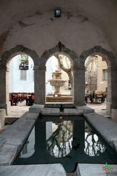 Seillans : Lavoir Fontaine