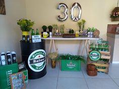 Beer Birthday Party, Cumpleaños Diy, Ideas Para Fiestas, Sugar Cookies, Birthdays, Room Decor, Starbucks, Heineken, Husband Birthday