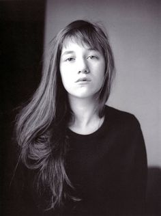 Charlotte Gainsbourg is the most beautiful girl in the world, don't you think? Isabelle Adjani, Serge Gainsbourg, Jane Birkin, Kate Barry, Photo Star, Divas, French Actress, French Girls, Portraits