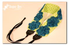 I'll be the person with one camera and 1534 straps/strap covers for it ;) Sugar Bee Crafts: sewing, recipes, crafts, photo tips, and more!: Camera Strap (NOT a cover) Diy Camera Strap, Camera Strap Cover, Sewing Tutorials, Sewing Projects, Sewing Patterns, Diy Projects, How To Make Diy, Crafts To Make, Craft Room Desk