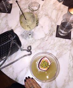 """Sophie Holtzmann Lundsfryd på Instagram: """" #nightie #cocktails"""""""