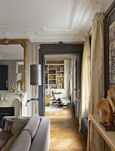 Parisian living room - The Romantic and Contemporary Parisian Apartment of your dreams by AnneSophie Pailleret – Parisian living room French Interior, Classic Interior, Interior Design, Interior Styling, Design Hall, Book Design, Glamour Living Room, Living Rooms, Parisian Decor