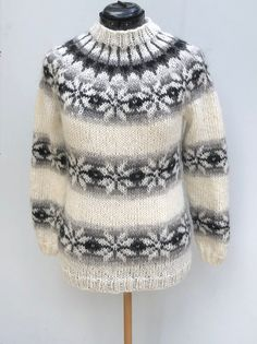 Icelandic sweater - handmade from pure Icelandic Wool - jumper - Pattern from Faroe Islands - Islandpullover - pull islandais - lopapeysa Fair Isle Knitting Patterns, Jumper Patterns, Knitting Blogs, Sweater Knitting Patterns, Knitting Designs, Diy Crafts Knitting, Hand Knitting, Icelandic Sweaters, Wool Sweaters