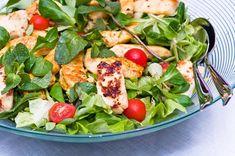 Maukas broileri-halloumisalaatti – Hellapoliisi Raw Food Recipes, Salad Recipes, Cooking Recipes, Healthy Recipes, Finnish Recipes, My Cookbook, Food Court, Halloumi, Couscous