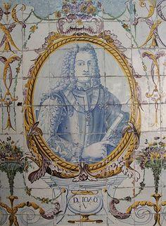 . JOÃO V – Painel de azulejos no Jardim do Palácio Galveias, Lisboa.