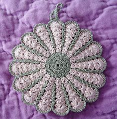 GreenEcru potholder | I've made 3 like this one in different… | Flickr