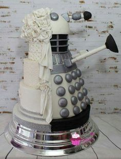 Doctor Who wedding cake :D