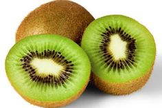 Kiwi fruit is one of the healthiest fruits and one of the tastiest fruits in the world. Kiwi originates from southern China and Healthy Bedtime Snacks, Quick Snacks, Kiwi Fruit Benefits, Vinaigrette, Snacks Before Bed, Best Fruits, Health And Wellbeing, Mental Health, Men Health