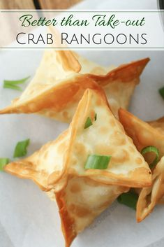 Crab Rangoons - The Chunky Chef Like your favorite Chinese takeout appetizer. but WAY better! These crab rangoons are simple to make and taste so good the whole family will enjoy them! Wonton Recipes, Crab Recipes, Appetizer Recipes, Potato Recipes, Vegetable Recipes, Recipies, Dinner Recipes, Chinese Appetizers, Cream Cheese Wontons