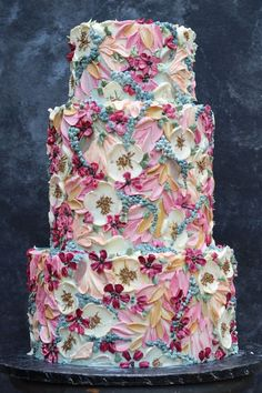 Floral oil paint style cake Gorgeous Cakes, Pretty Cakes, Cute Cakes, Amazing Cakes, Wedding Cake Maker, Cake Wedding, Wedding Cake Designs, Floral Wedding Cakes, Floral Cake