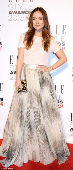 Rosie Huntington-Whiteley flashes sideboob at Elle Style Awards #dailymail