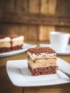 Ciasto Kubanka to połączenie różnych kombinacji smakowych. Puszysty, pachnący rumem biszkopt, delikatny krem czekoladowy, kwaskowe powidła śliwkowe i to wszystko w jednym kawałku. Wbrew pozorom nie jest to przesłodzone ciasto.…