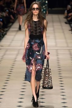 Burberry Prorsum - Fall 2015 Ready-to-Wear - Look 23 of 55?url=http://www.style.com/slideshows/fashion-shows/fall-2015-ready-to-wear/burberry-prorsum/collection/23