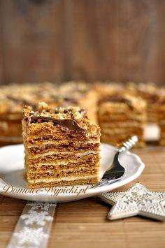 Delikatne, cienkie warstwy ciasta miodowego przełożone masą budyniową z dodatkiem masy krówkowej. Pyszne, słodkie, rozpływające się w ustach. Jeśli lubicie,...