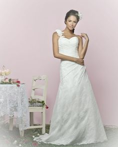 Minnie Wedding Dress – Charlotte Balbier English Tea Party 2011 Collection