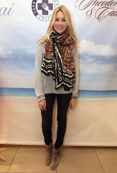 Nice Fashion, if you are looking more visit http://scrubsfashionista.com/