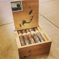 The Neanderthal GD (Genetic Deformity) is a 4.25x52 barberpole cigar from RoMa Craft whose wrapper is from the Cromagnon and Aquitaine lines (Connecticut Broadleaf and Ecuadorian habano).