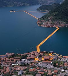 CHRISTO // FLOATING PIERS // ISEO ITALY // Foto: dpa