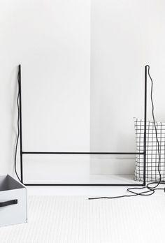 DIY clothing rail (via Bloglovin.com )