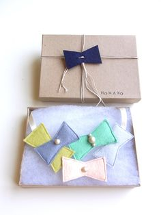 Kid Friendly - Triangle Party Necklace. $40,00, via Etsy.