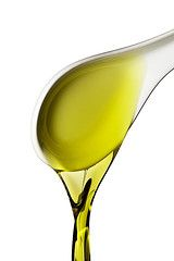 Natural skin tightening oils are among the best non surgical facelift options.Take a look at the best natural skin tightening oils that provide healing and moisturizing properties and help get younger looking skin naturally. Olive Oil Hair Treatment, Beauty Secrets, Beauty Hacks, Beauty Tips, Beauty Products, Natural Skin Tightening, Diy Beauté, Easy Diy, Diy Spa