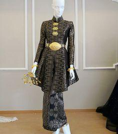 Muslimah Wedding Dress, Muslim Wedding Dresses, Dream Wedding Dresses, Dress Brokat Modern, Kebaya Modern Dress, Traditional Wedding Dresses, Traditional Outfits, Malay Wedding Dress, Hijab Dress Party