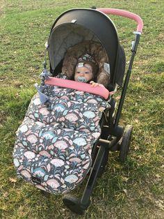 Wir lieben Happy Babys & Eltern! Designe deinen Joolz Tailor bei uns in der Storchenstube, wir helfen dir gerne. #kinder #kinderwagen #eltern #schwangerschaft #stroller #shopping @storchenstune Future Maman, Babys, Baby Car Seats, Baby Strollers, Children, Daddy To Be, Parents, Kids Wagon, Pregnancy