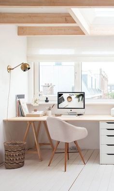 31 White Home Office Ideas To Make Your Life Easier; home office idea;Home Office Organization Tips; chic home office. Home Office Space, Home Office Decor, Small Office, Bright Office, Apartment Office, Ikea Office, Office Workspace, Desk Space, Apartment Therapy