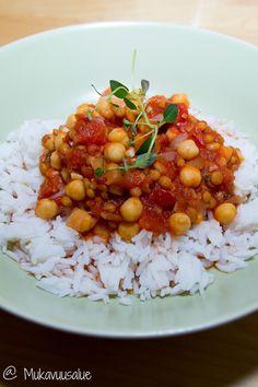 Tomaattinen kikhernepata / Mukavuusalue http://www.stoori.fi/mukavuusalue/tomaattinen-kikhernepata/