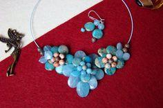 """Flori de piatră-Bijoux""-bijuterii artizanale marca Didina Sava Handmade Jewelry, Invitations, Album, Drop Earrings, Stone, Jewerly, Rock, Handmade Jewellery, Jewellery Making"