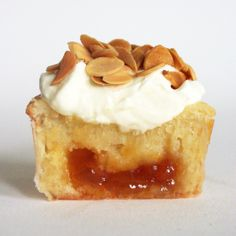 From my old recipe blog Ming Makes Cupcakes - Cupcake 18, sour cream apricot cupcakes with mascarpone frosting and toasted almonds.
