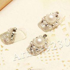 Nail Art Rhinestones Glitters 3D Pre Designed Acrylic Pears Decoration crystal 2