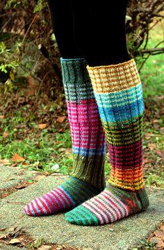 Use up all the sock yarn! Knitting Wool, Knitting Socks, Hand Knitting, Sexy Socks, Thick Socks, Crochet Socks Pattern, Knit Crochet, Knit Patterns, Funky Socks