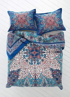 Now this is one of the prettiest duvet covers I've come across! #duvets #bedrooms #homedecor #affiliate
