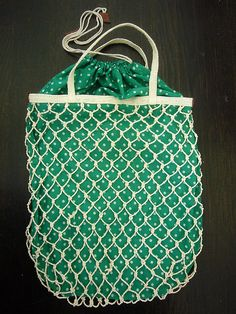 Macrame bag. Nice simple pattern--looks like armor. Jewelry inspiration.