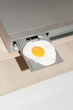 Egg DVD Thats not how that works!